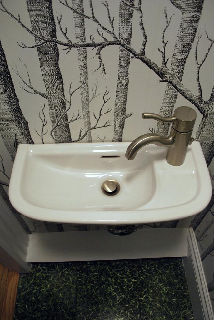 Tiny sink