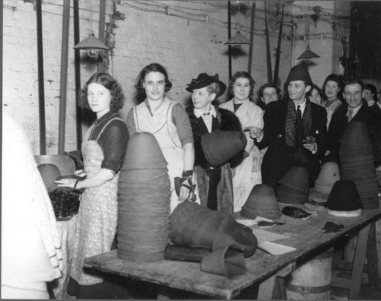 factory_workers_1938